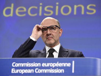 Pierre Moscovici erklärte den Aufschub mit den Reformplänen in Frankreich.