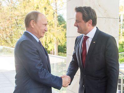 Le Premier ministre luxembourgeois, Xavier Bettel, et le président russe, Vladimir Poutine