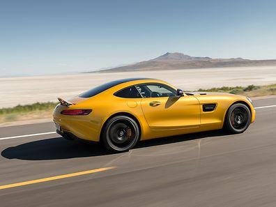 Der Mercedes-AMG GT verfügt über typische Sportwagen-Proportionen.