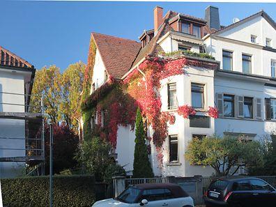 In diesem Haus im Marbacher Weg in Frankfurt am Main verbrachte Anne Frank ihre ersten Lebensjahre.