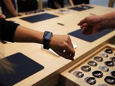 Nur Kunden im New Yorker Apple Store konnten die Computeruhr schon am 10. April bewundern.