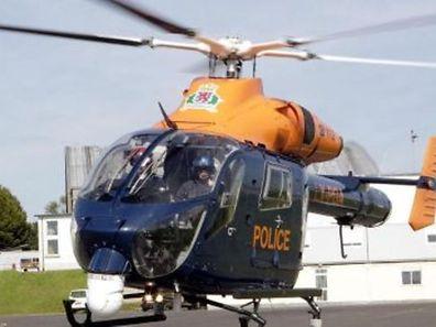 L'hélicoptère de la police a très vite décollé samedi matin pour localiser les malfaiteurs.