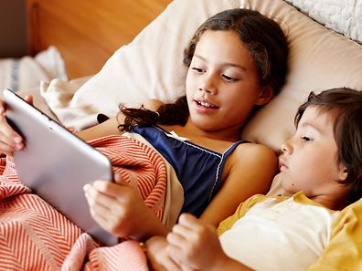 Chaque compte permet de créer cinq profils. Les enfants ont un univers spécialement pensé pour eux, dans une couleur différente pour permettre aux parents de surveiller leur progéniture.