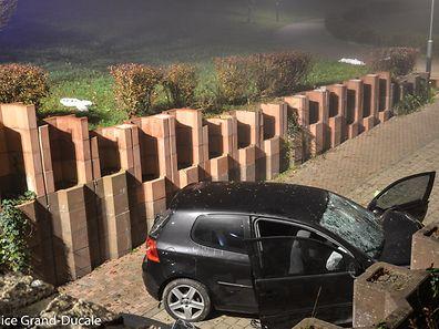 Das Auto war bei dem Unfall mit fünf Personen besetzt.