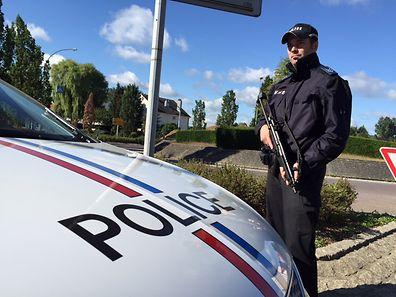 In der Umgebung von Niederanven und an den Autobahnen sind Polizeiposten aufgestellt.