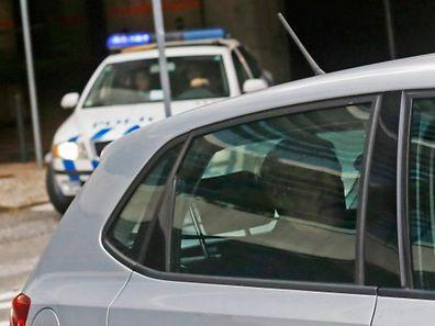 L'ancien Premier ministre José Socrates escorté par la police