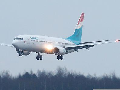 Arrivee du nouveau Boeing 737-800 de la Luxair, sur l' aeroport du Findel, Luxembourg, le 26 Fevrier 2015. Photo: Chris Karaba