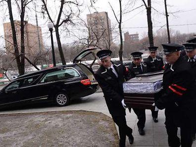 Der Sarg des Ermordeten wird am Dienstag beigesetzt.