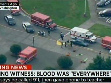 Ein Screenshot von CNN zeigt, dass Polizisten und Rettungskräfte an der Schule im Einsatz sind.