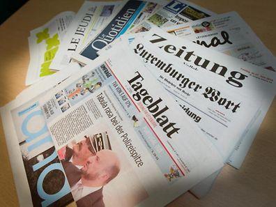 Die neue Juncker-Kommission und die schlechten Umfrageergebnisse der Dreierkoalition werden heute in der Tagespresse belichtet.