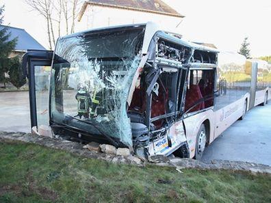 Im Bus wurden 15 Menschen verletzt.