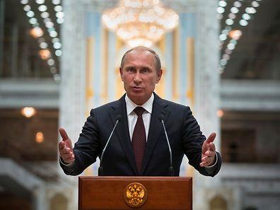 """Lange wurde das Terrain präpariert, jetzt ist die Katze aus dem Sack: Putin fordert """"Gespräche"""" über die Autonomie der Ostukraine."""