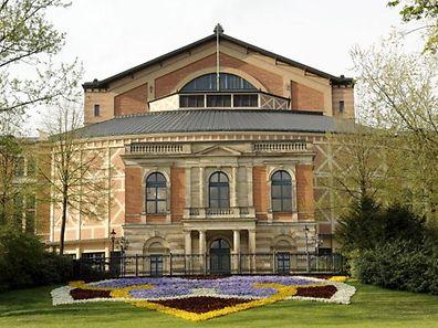 """Auch in Wagners """"Heimstätte"""" in Bayreuth sind die modernen Inszenierungen häufig umstritten."""