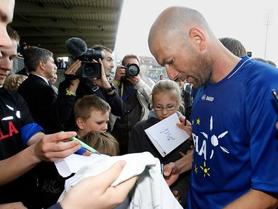 Bereits 2010 war Zinédine Zidane für den guten Zweck in Luxemburg. Die Veranstaltung diesen Jahres musste nun allerdings abgesagt werden.
