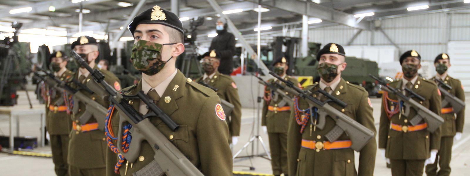 Die parlamentarische Verteidigungskommission soll künftig in regelmäßigen Abständen über die Auslandseinsätze der Armee informiert werden.
