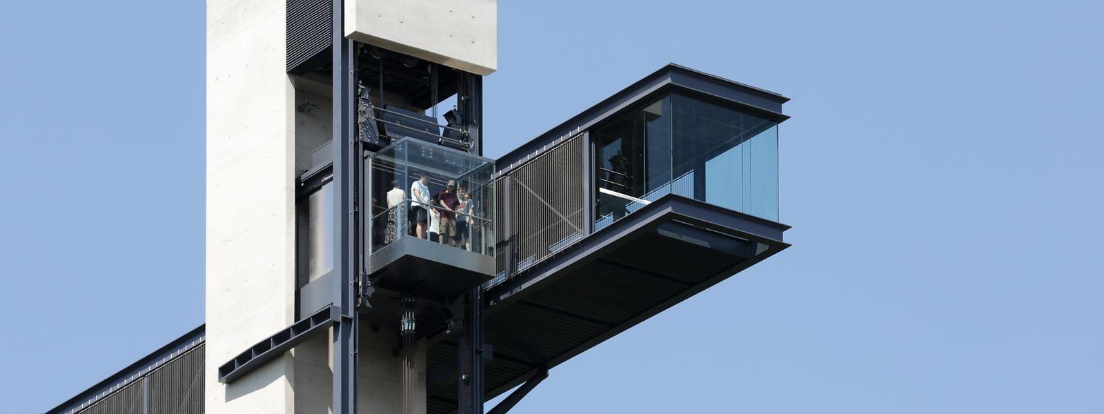 Der Pfaffenthal-Lift fährt täglich von 5.45 bis 1 Uhr, jeden ersten Montag im Monat bleibt er wegen Wartungsarbeiten geschlossen. Die Nutzung ist kostenlos.