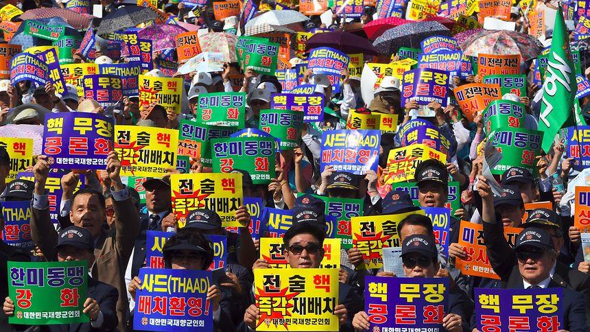 Proteste gegen die nordkoreanische Bedrohung.