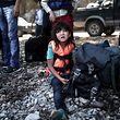 Une enfant réfugiée sur les côtes grecques, le 3 septembre 2015