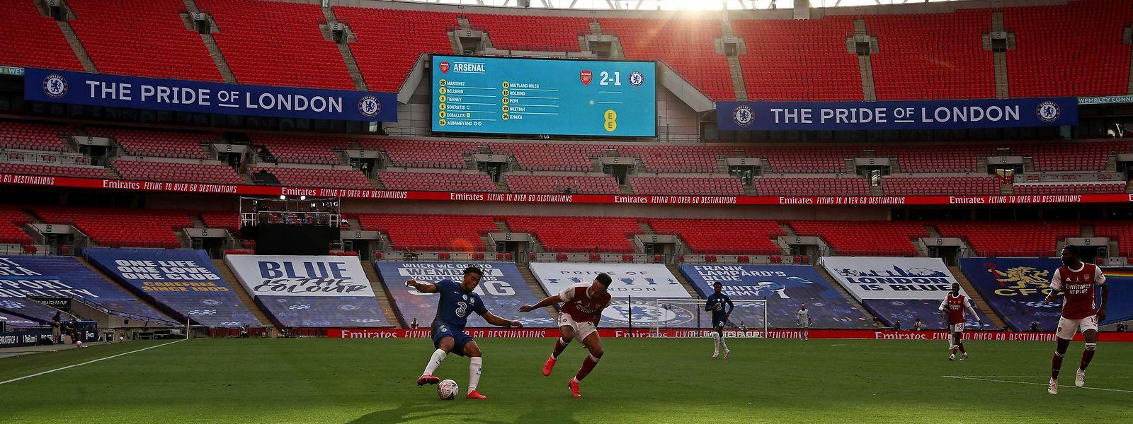 La finale de la Coupe d'Angleterre entre Chelsea et Arsenal s'est déroulée devant des tribunes vides alors que Wembley peut accueillir près de 80.000 spectateurs.