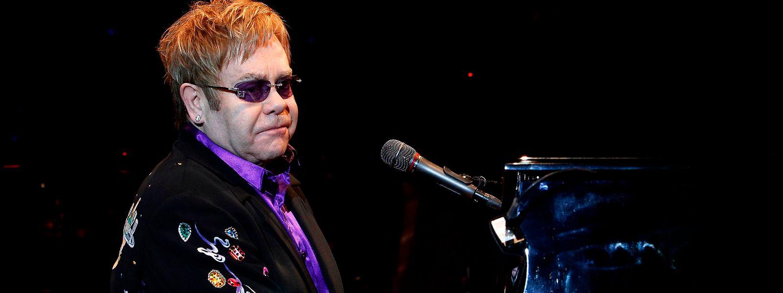 Ici, Sir Elton John lors de son concert à D'Coque en décembre 2010.