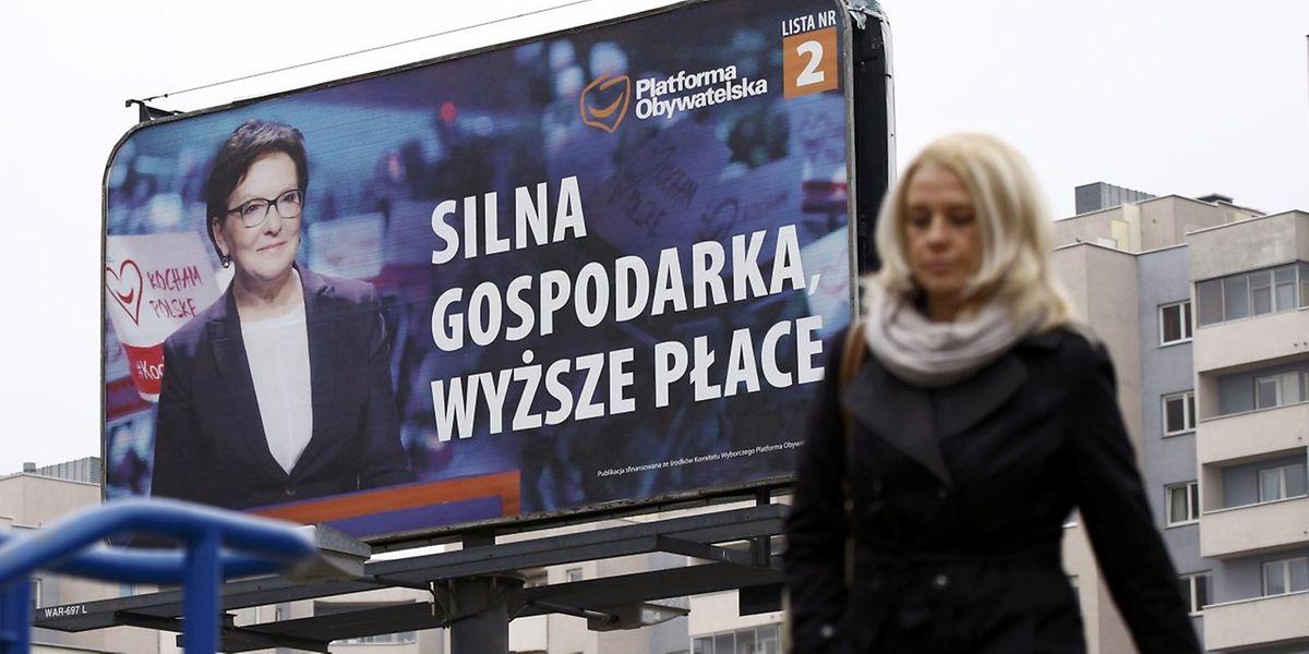 Wahlplackat mit  Regierungschefin Ewa Kopacz von der liberalkonservativen Bürgerplattform (PO).