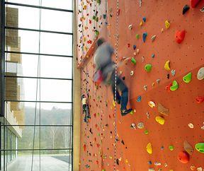 Klettern für den guten Zweck in Echternach