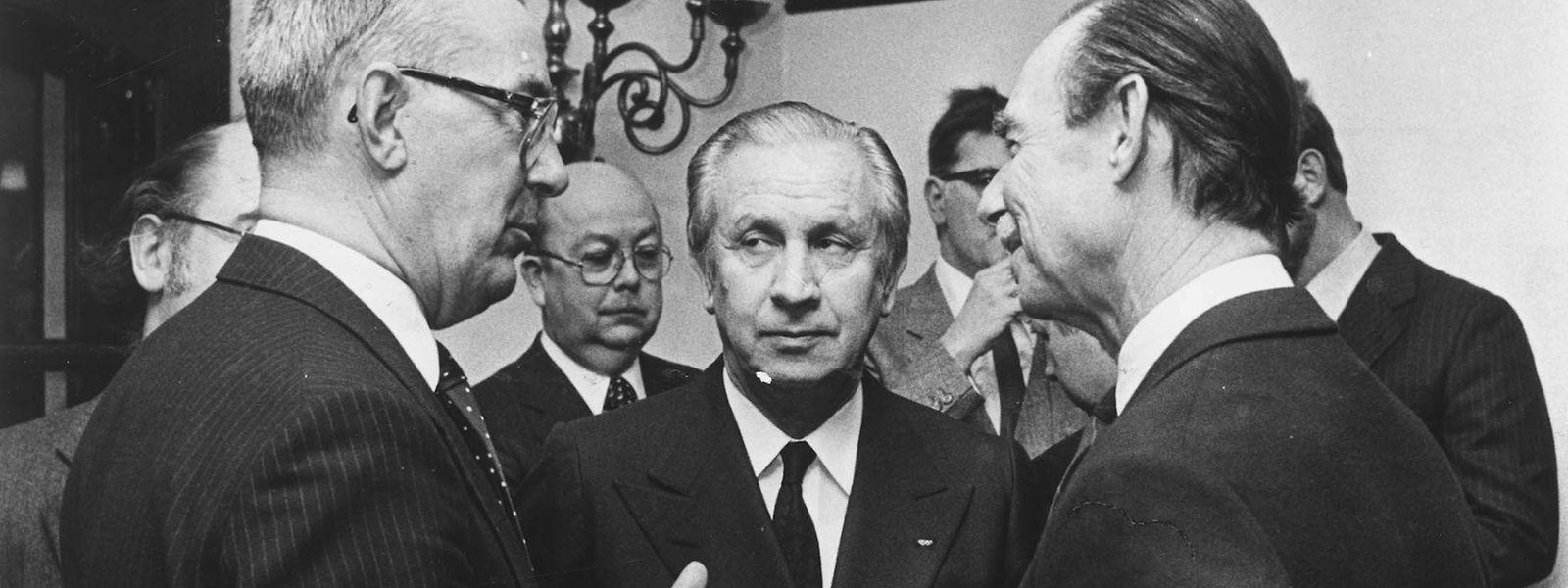 Großherzog Jean 1982 im Gespräch mit dem damaligen IOC-Präsidenten Juan Antonio Samaranch (M.) und COSL-Präsidenten Gérard Rasquin.
