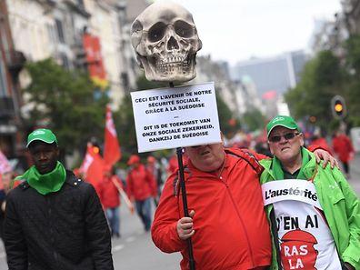 Des manifestants à Bruxelles, le 24 mai.