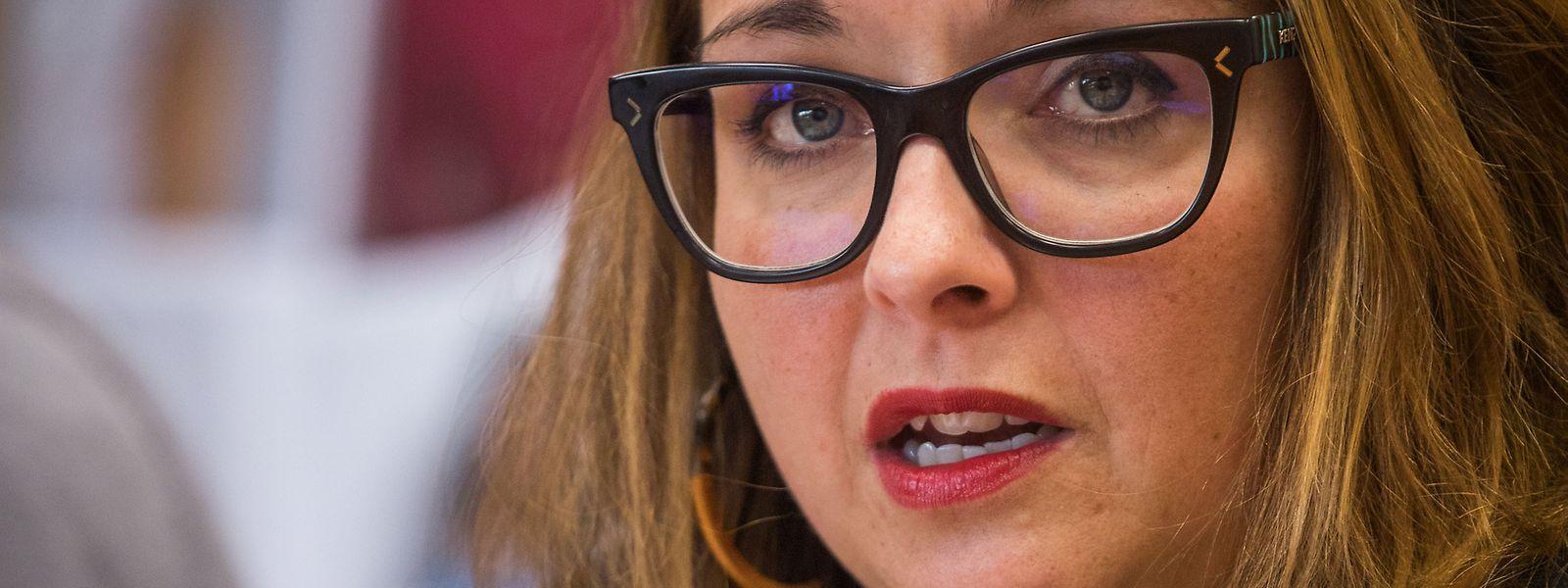 """Pour Nora Back, présidente de la Chambre des salariés, """"il est désolant de constater qu'un pays comme le Luxembourg ne tient pas ses engagements en matière de protection de la santé de celles et ceux qui en assurent la prospérité""""."""