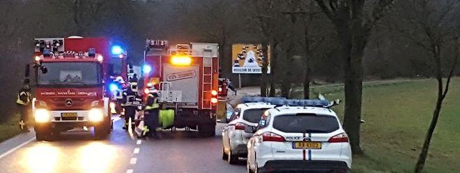 Uma mulher morreu quando o carro em que seguia embateu numa árvore, esta tarde, na estrada entre Bettembourg e Kockelscheuer