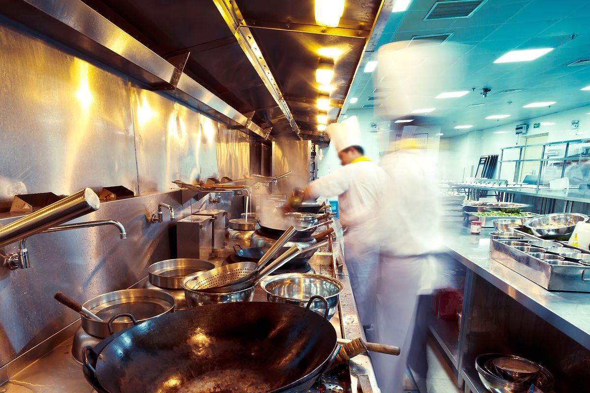 Pas question pour les cafés restaurants de reprendre une activité, au mieux, avant le 1er juin prochain.
