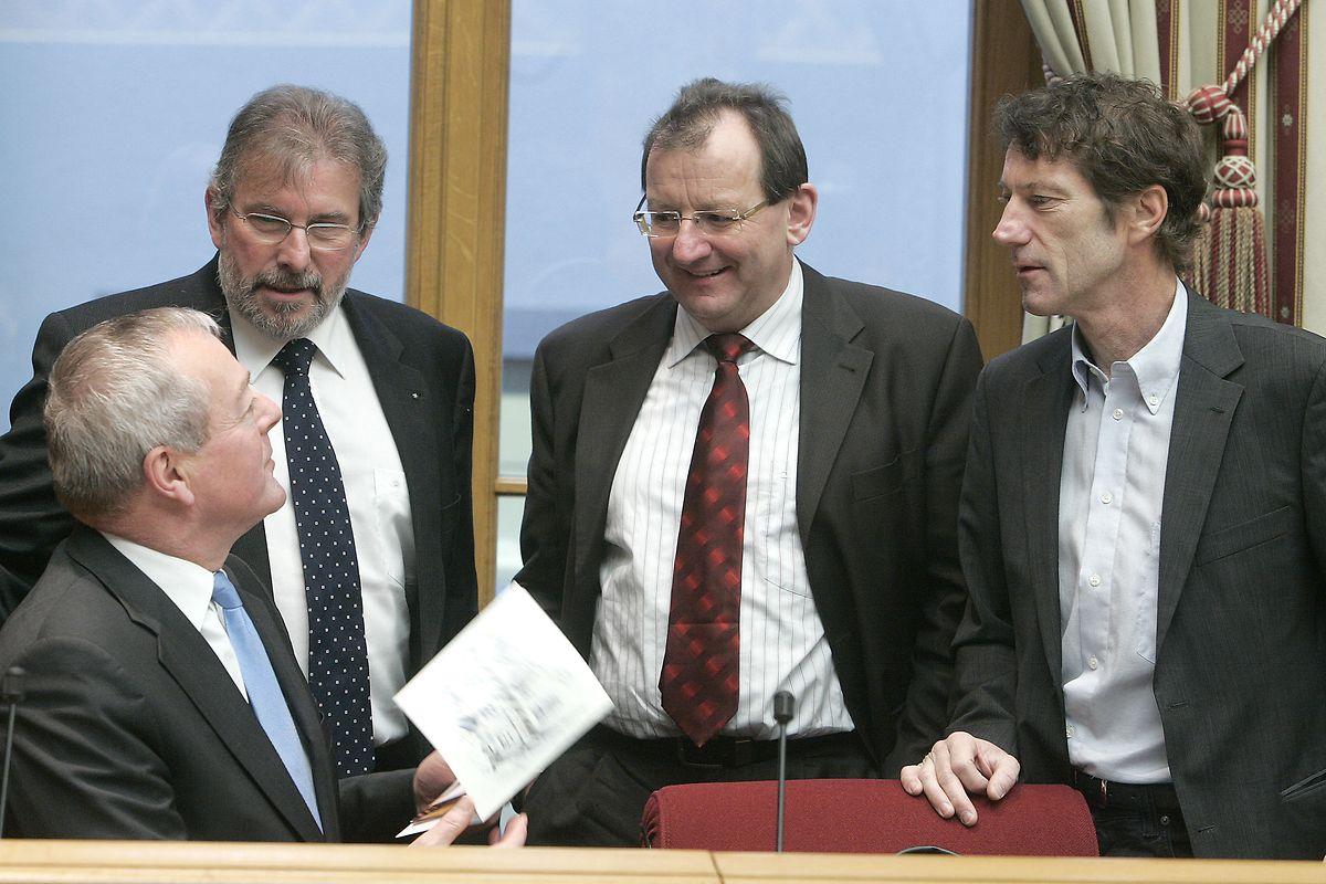 L'alliance politique entre DP, LSAP et Déi Gréng contre le CSV en faveur de l'euthanasie aura été la première union de ce type. Elle aboutira, fin 2013, à la mise en place de la première triple coalition gouvernementale.