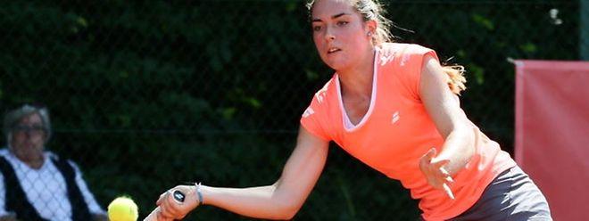 Eléonora Molinaro a eu besoin de 1h47 de match pour éliminer la tête de série n°2 du tournoi Kimberley Zimmermann.