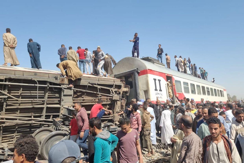 Beim Zusammenstoß zweier Züge sind in Ägypten mehrere Menschen ums Leben gekommen.