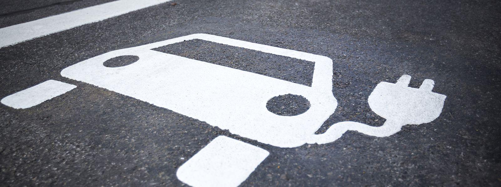 Der Staat unterstützt den Kauf eines Elektrofahrzeugs mit 5.000 Euro.