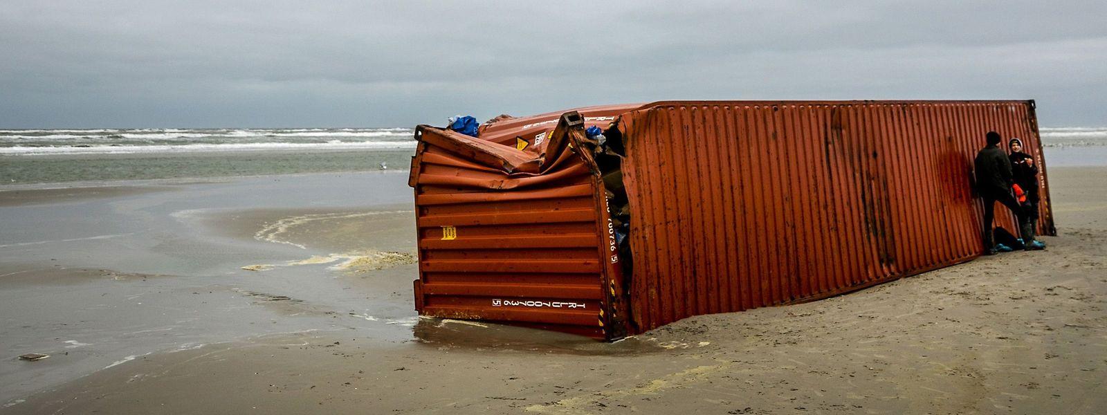 Die Schweizer Reederei MSC hatte zugesagt, alle Kosten für Säuberung und Bergung zu übernehmen.