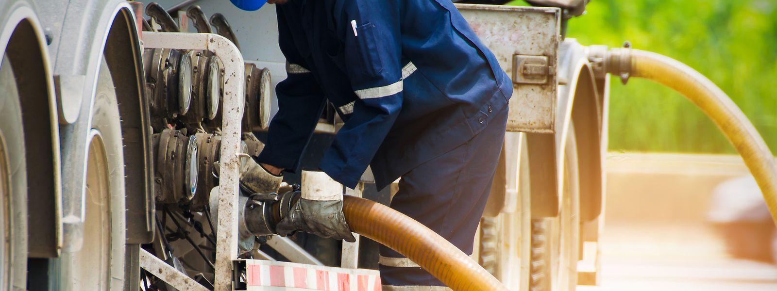 Pour réduire leurs dépenses de carburant, certains routiers font leur plein avec du mazout de chauffage.
