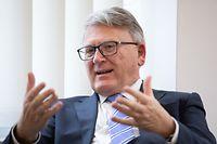 EU-Kommissar Nicolas Schmit sagt, dass der digitale Wandel sozial gestaltet werden muss.
