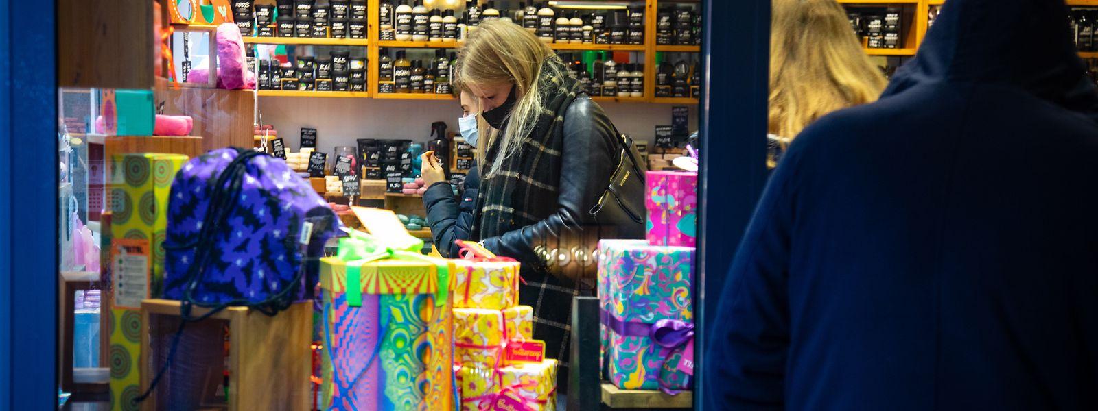 Beaucoup de Belges et Français traversent la frontière pour faire leurs achats de Noël, constatent les vendeurs.