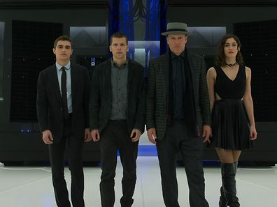 Gelingt es Jack Wilder (Dave Franco), Daniel Atlas (Jesse Eisenberg), Merritt McKinney (Woody Harrelson) und Lula (Lizzy Caplan, v.l.n.r.), den Chip trotz Hochsicherheit herauszuschmuggeln?