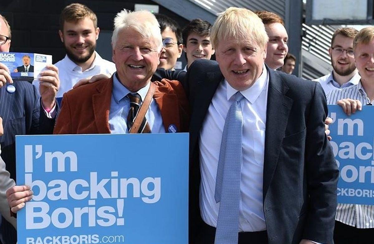 O pai e Boris Johnson juntos há uns meses.