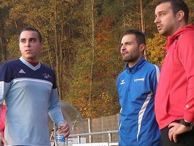 Gabriel Vieira (en bleu) reprend du service avec la mission de faire remonter Perlé en D2.