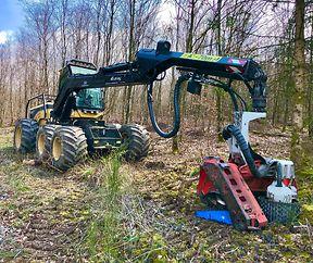 Mit grossem Gerät im Wald geht es heute zur Sache in der Forstwirtschaft