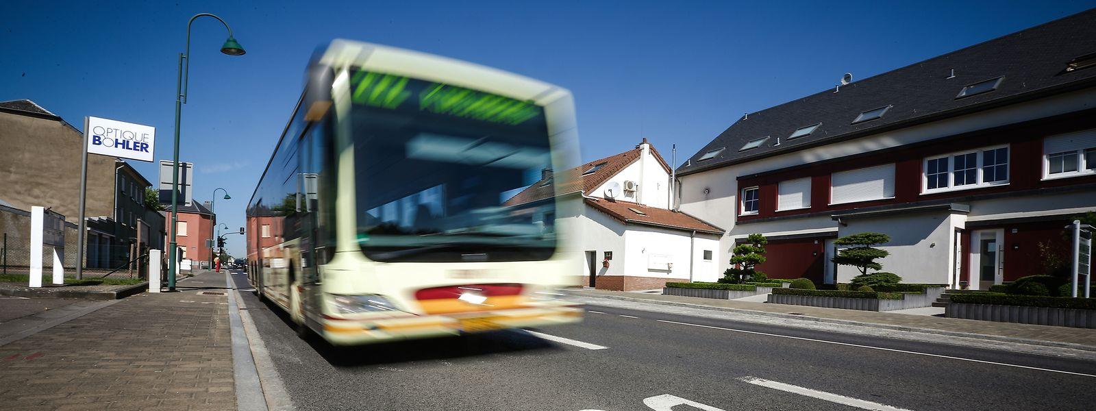 Nach der Reorganisation des RTGR werden laut Mobilitätsministerium 99,2 Prozent der Bevölkerung in regelmäßigem Takt mit regionalen Bussen bedient und das an sieben Tagen die Woche.