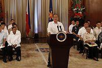 Der philippinische Präsident Benigno Aquino III gibt ein vorläufiges Friedensabkommen mit den Rebellen in der Mindanao-Region bekannt. Foto: Rolex dela Pena