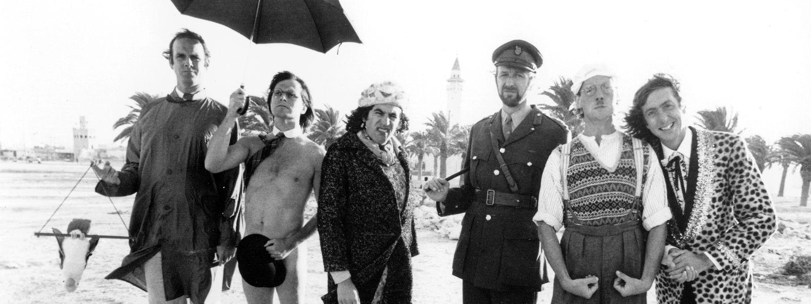 """In Monastir (Tunesien) drehten sie """"Monty Python's Life of Brian"""" 1978: John Cleese, Terry Gilliam, Terry Jones, Graham Chapman (1941 - 1989), Michael Palin und Eric Idle."""