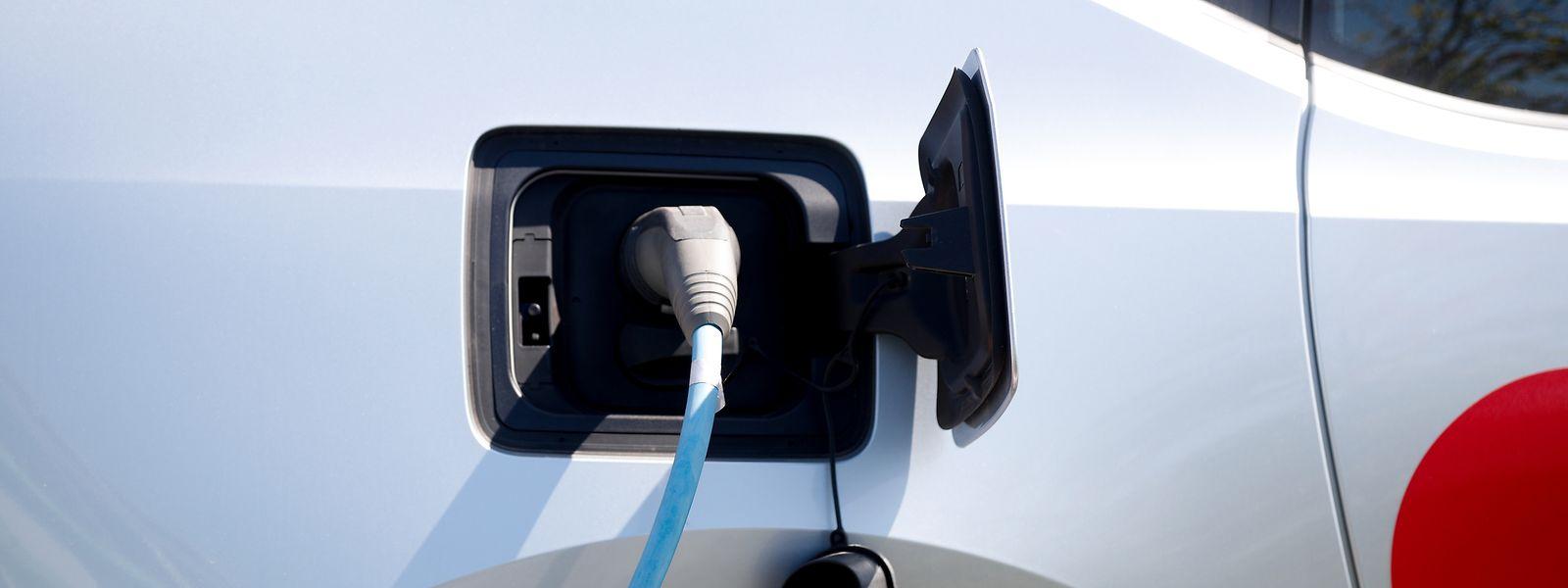 Les véhicules 100% électriques et hybrides immatriculés en 2020 bénéficieront aussi de la prime de l'État