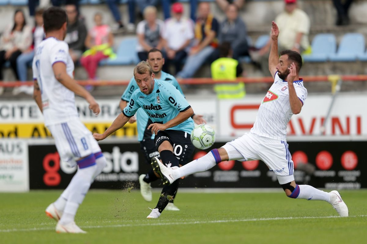 Dominik Stolz s'est procuré des occasions mais n'a pu tromper le portier hongrois.