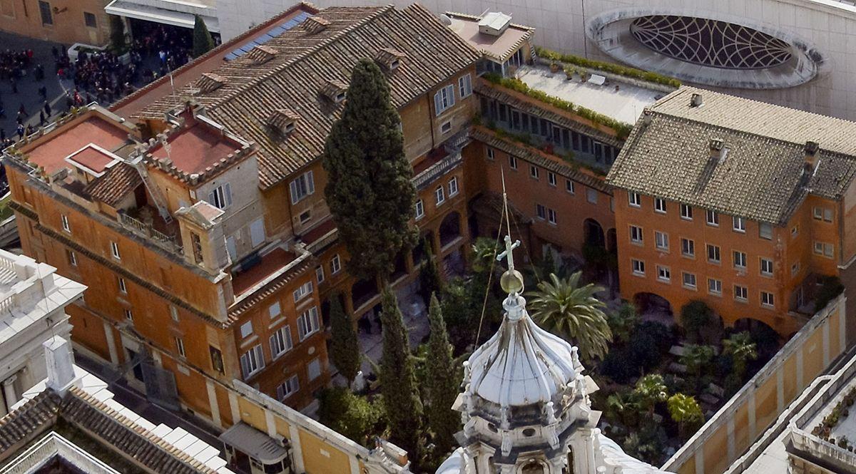 Der hinter den Vatikanmauern gelegene Friedhof ist italienisches Staatsgebiet.