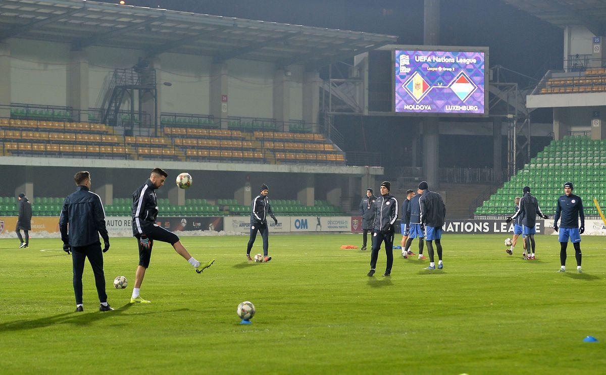 Die Mannschaftsaufstellung gibt der Nationaltrainer erst kurz vor Spielbeginn bekannt.